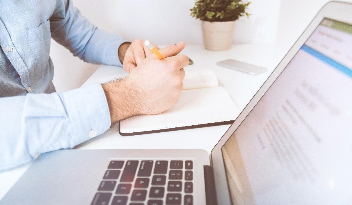 Orientations stratégiques : quels documents l'expert peut-il accéder ?